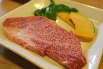 山小屋頂級但價位合宜的松阪牛肉燒烤