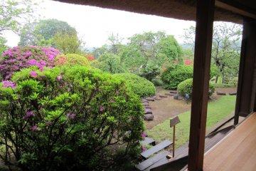 Традиционный японский дом имеет выход в сад