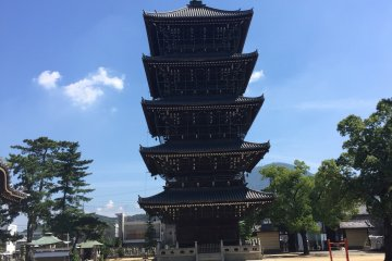 The five-story pagoda at Zentsuji's East temple