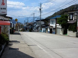 The street of Yudanaka. In 40 minutes walking along it I met nobody at all!