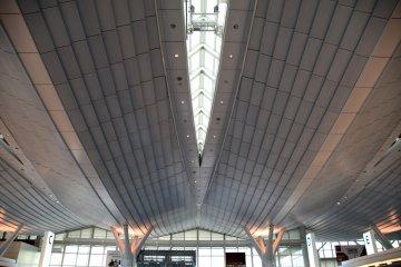 Ultra modern roof of the international departure floor