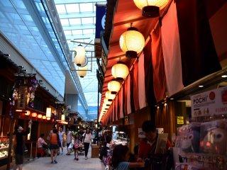 ターミナルビル4階の江戸小路