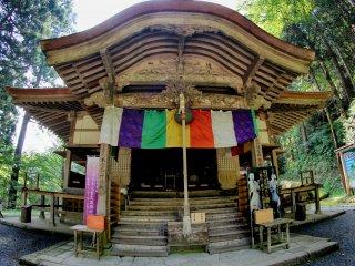 Tòa nhà chính của Đền Sanbutsuji