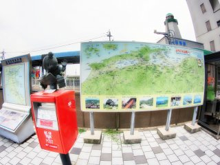 Near the station there is a huge map of Sanin city
