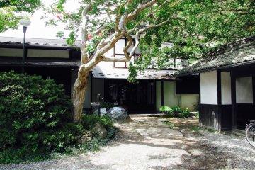 Biwa no Yu ในอะสะมะ ออนเซ็น