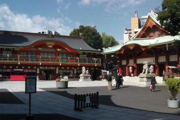 Kanda Myojin: Akihabara's Vermilion Shrine