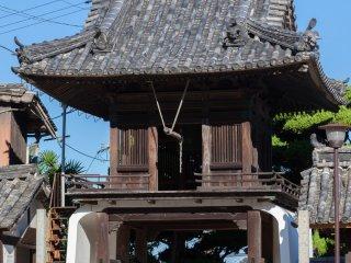 Le beffroi du temple Tennei-ji