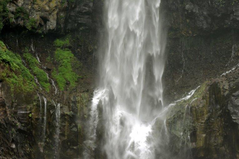 닛코 국립 공원의 케곤 폭포