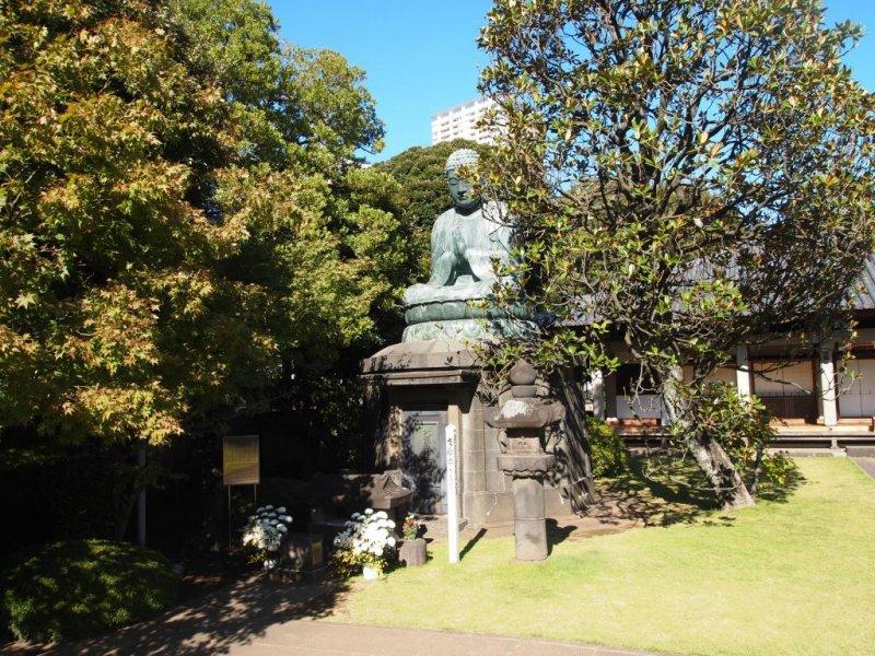 The bronze Buddha of Tennoji  dates from 1690.