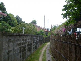 One of the main thoroughfares on Geruma