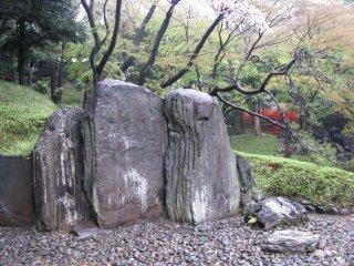 일본식 정원에 전통적인 돌