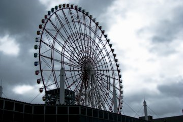 Odaiba Ferris Wheel is 115 meters tall and is one of the biggest in the world