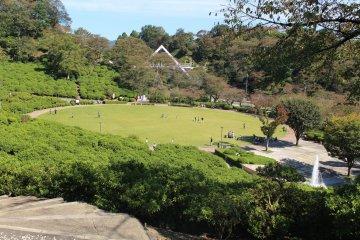 사바에 니시야마 공원과 너구리판다