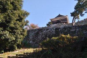 Castle wall splendour