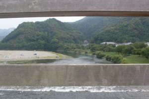 Kintai Bridge spans the Nishiki River.