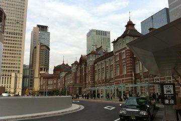 Станция Токио JR