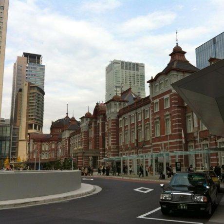 Exploring the Refurbished Tokyo Station (2012)