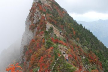 Tengudake, the peak of Mt. Ishizuchi in autumn
