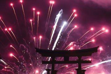 ประสบการณ์ชมดอกไม้ไฟใน Miyajima