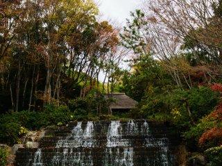Dainiga Falls and Kinoshita House