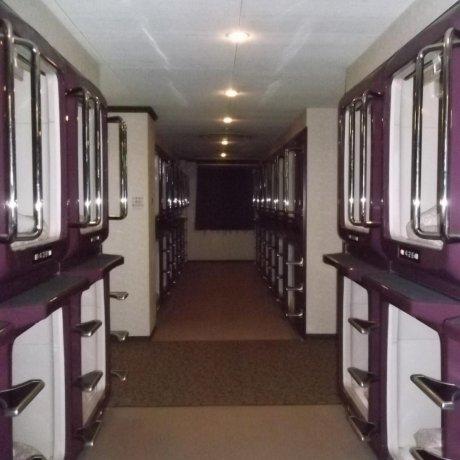 โรงแรมเฟิร์สท อินน์ แคปซูล ที่ทาคามัตสุ
