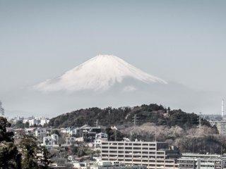 Les jours dégagés, vous pouvez observer le Mont Fuji