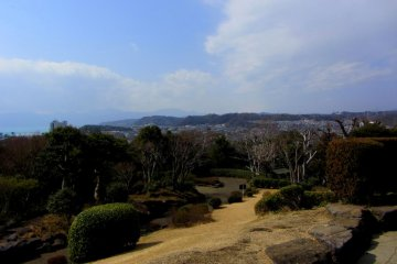 The highest point looks out over Sagami Bay and the Hakone Mountains