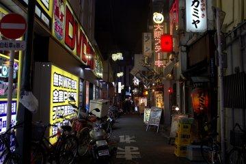 夜間的歌舞伎町有許多去處