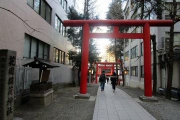 花園神社諸多入口中的其中一處