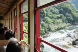 Sagano Romance Train di Kyoto.
