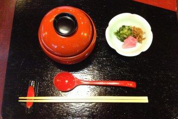 8.ご飯 (gohan)