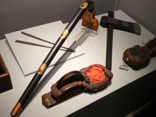 Beberapa tradisi dan alat-alat kuno yang digunakan orang-orang di masa lalu
