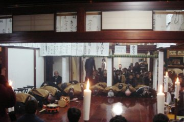 The hayashi (instrumentalists) bow before commencing their play