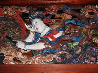 新潟にある永林寺の天井彫刻。美しい