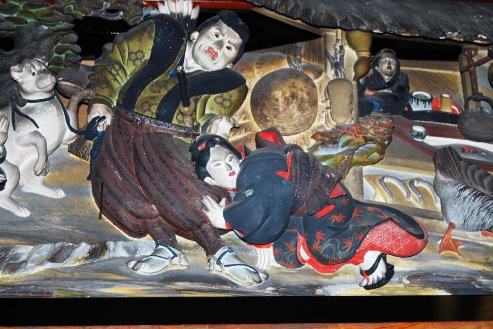 Это похоже на самурая и гейшу напротив ресторана того времени