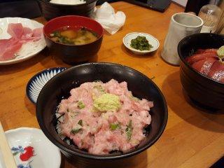Oo Toro,  cá ngừ bụng béo