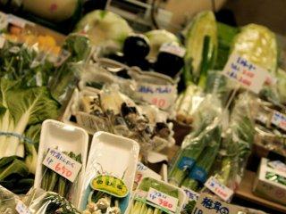 Toko sayuran lokal yang kecil