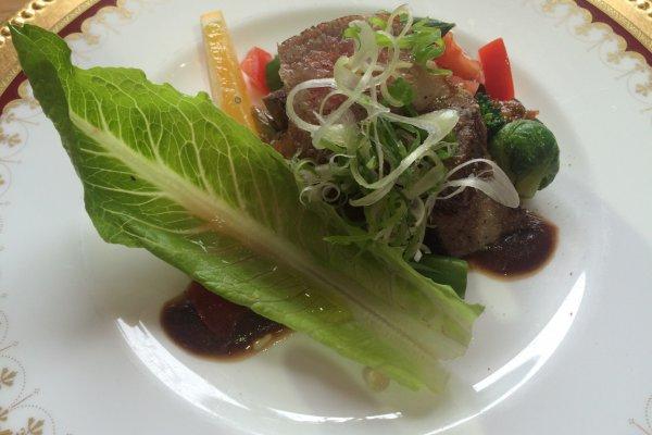 肥後赤牛のステーキ、何度でも食べたい。