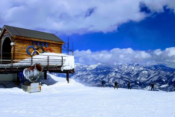 Начало Олимпийского альпийского горнолыжного пути