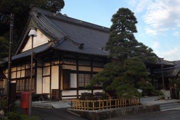 Toun-ji Temple in Fujieda