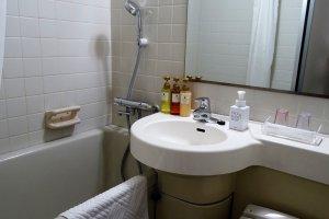 ห้องน้ำที่มี มีเครื่องอำนวยความสะดวกพร้อม