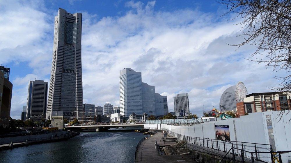 วิวอาคารแลนด์มาร์คทาวเวอร์ (Landmark Tower) อาคารที่สูงที่สุดในโยโกฮะมะ