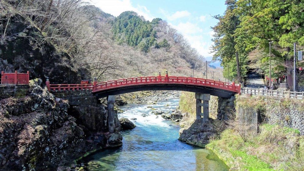 'สะพานชินเกียว (Shinkyo)' สะพานมรดกโลกแห่งเมืองนิกโกะ (Nikko)