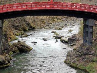 ทอดข้ามแม่น้ำไดยะ (Daiya)