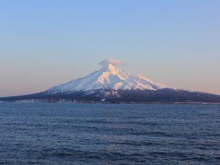 Núi Rishiri trong vẻ lộng lẫy của nó.