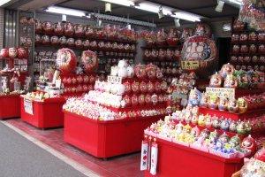 Рынок куклы Дарума