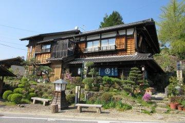 Магомэ - самый просторный из трёх городков долины Кисо