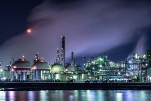 One of Yokkaichi's best known sights, the oil refinery at night.