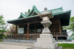 Suitengu shrine: a shinto shrine which requires a steep climb to reach, but offers stunning views of Otaru.