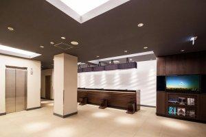 แผนกต้อนรับของโรงแรมมายสเตย์ โยโกฮะมะ คันไน (HOTEL MYSTAYS Yokohama Kannai)